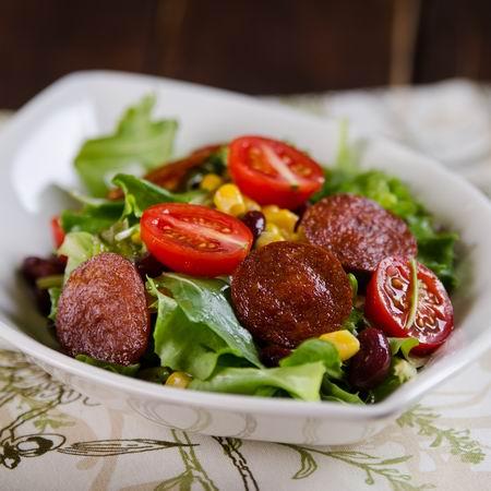 29137_babos-kukoricas-salata-kolbasz-chips-szel_n